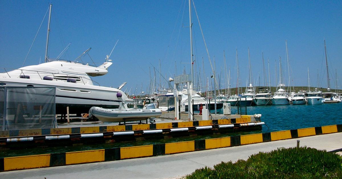 Alaçatı Tekne Turlarına Katılın