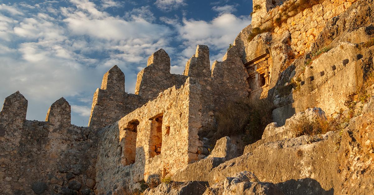 Benzersiz Bir Tarihi Kaleyi Ziyaret Edin