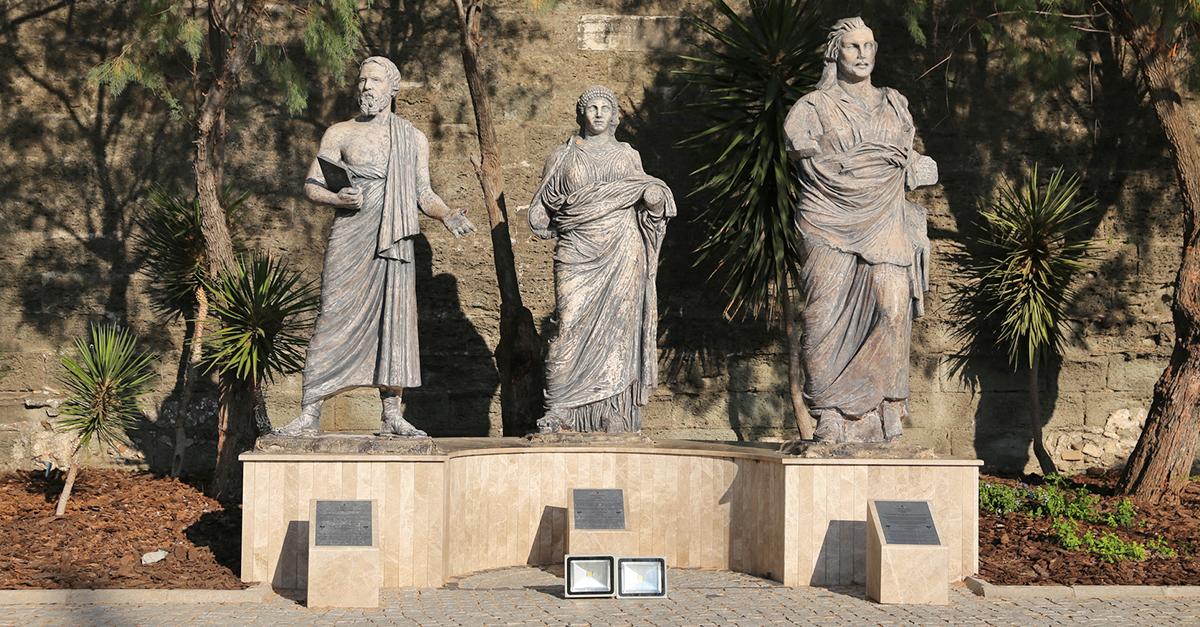Bodrum Kalesi'ni ve Antik Tiyatro'yu Gezin