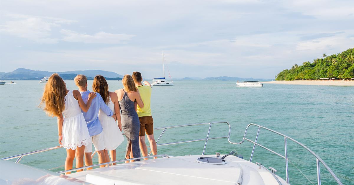 Dikili koylarını tekne gezileriyle keşfedin