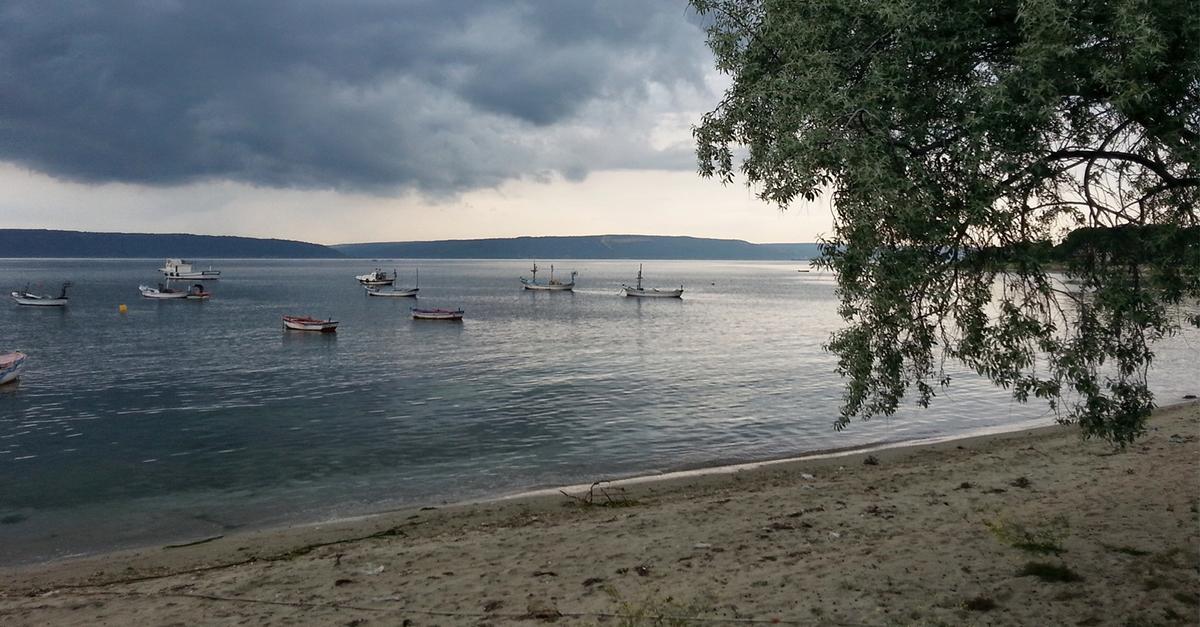 Ezine'nin Muhteşem Plajlarında Yüzün