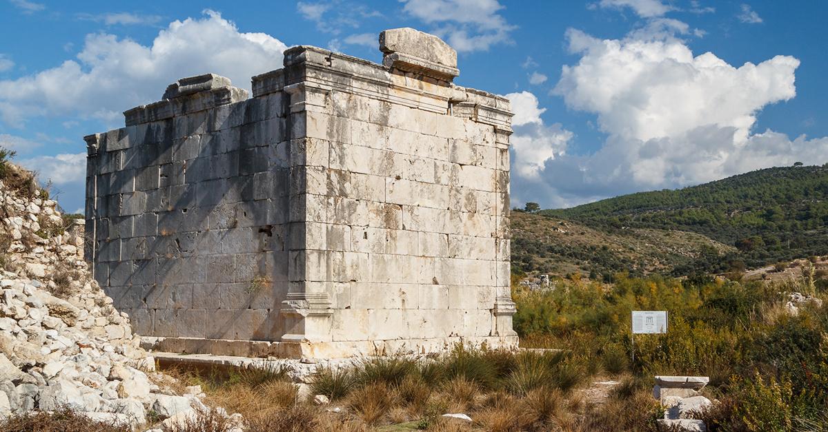 Gizemli Korint Tapınağı