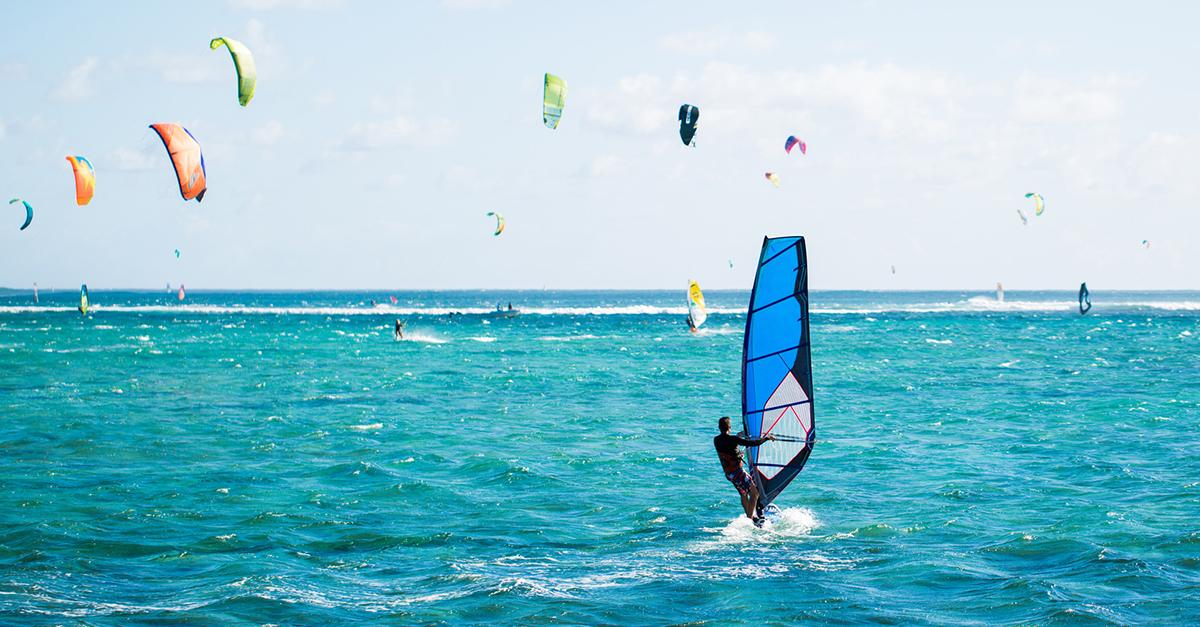 Gökova Körfezinde Rüzgar Sörfü Yapın