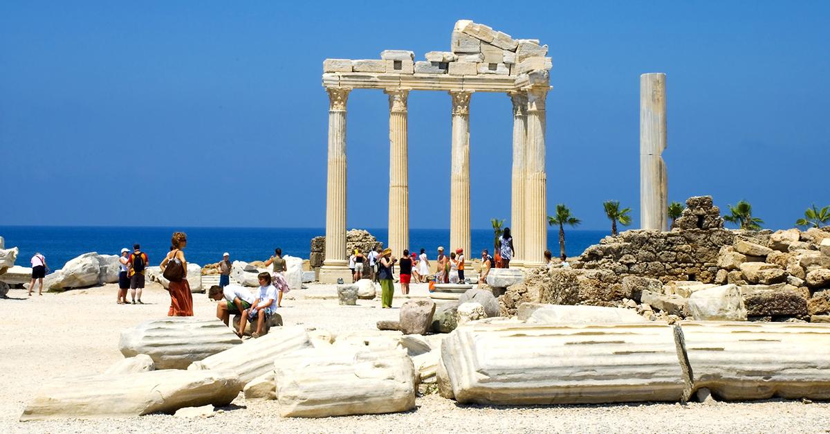 Görkemli Apollon Tapınağını Ziyaret Edin