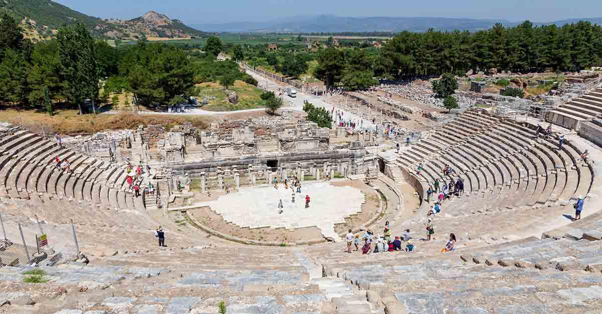 Görkemli Efes Antik Tiyatrosunu Görün