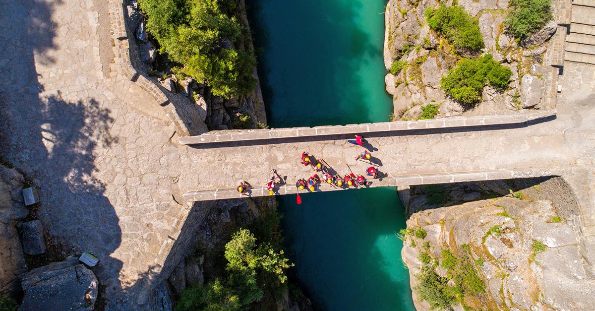 Köprülü Kanyon'da Adrenalin Dolu Bir Rafting Deneyimi Yaşayın