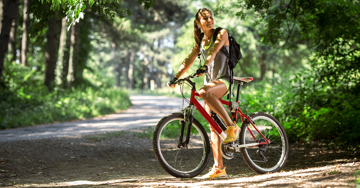 Muhteşem manzaralar eşliğinde dağ bisikleti sürün
