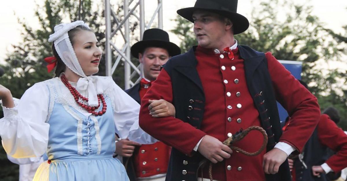 Polonez Köy Kiraz Festivali'ne Katılın