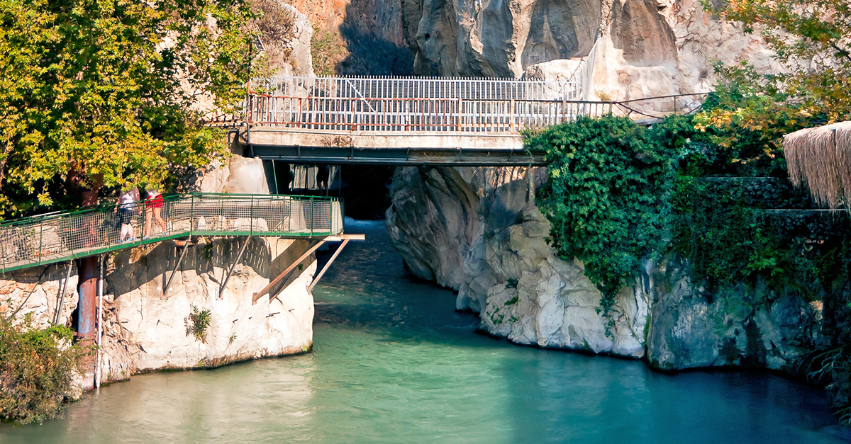 Saklıkent Kanyonunda Nehir Raftingi Yapın