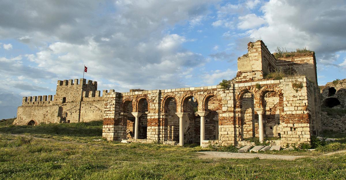 Tarihi Enez Kalesi'ni Gezin