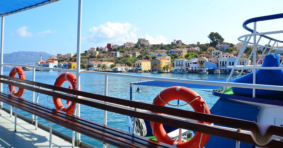 Tekne Turuyla Akdeniz Koylarını Keşfedin