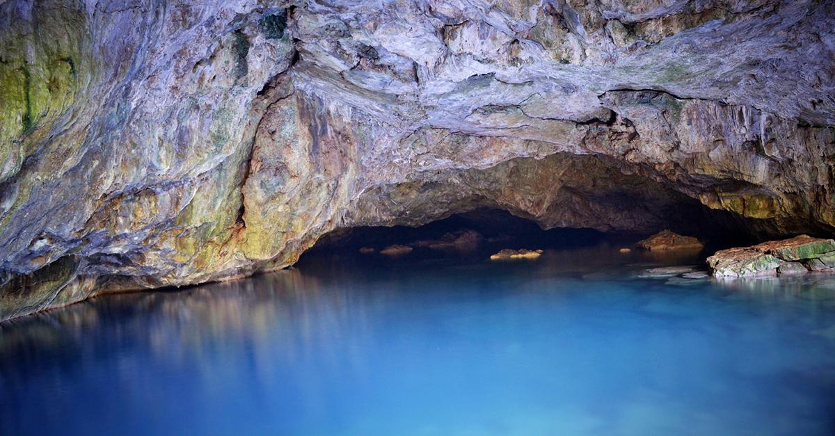 Zeus Mağarası Sularında Yüzün